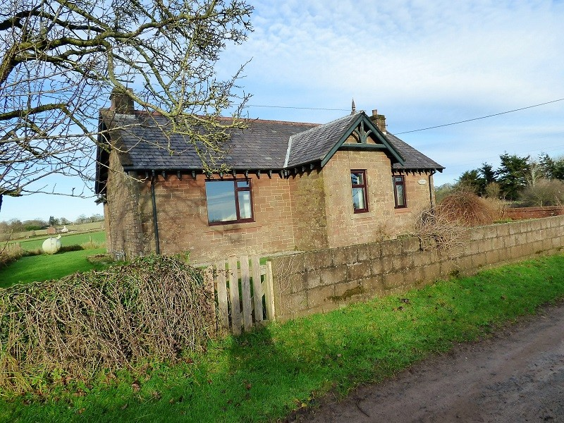 Lochbank Cottage  Bankend Road
